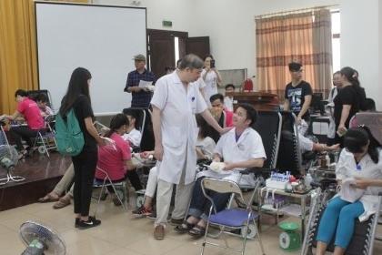 http://benhvienphusantrunguong.org.vn/stores/news_dataimages/vtkien/052017/14/10/croped/hm_1.jpg