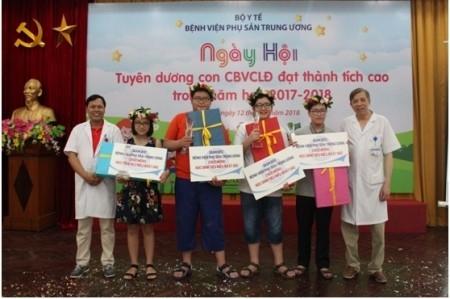http://benhvienphusantrunguong.org.vn/stores/news_dataimages/vtkien/072018/30/13/croped/3_1.jpg