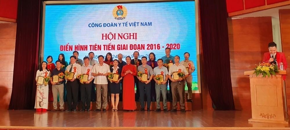 http://benhvienphusantrunguong.org.vn/stores/news_dataimages/vtkien/092020/25/21/croped/3.jpg
